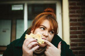 Isst du aus emotionalen Gründen? 8 Tipps gegen Heißhunger