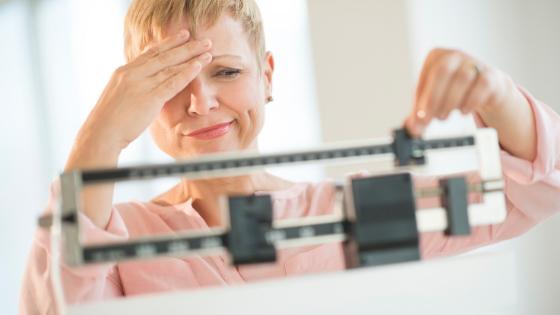 Keto Diät Abnahme Stillstand - Gründe für ein Gewichtsabnahmeplateau bei der ketogenen Ernährung
