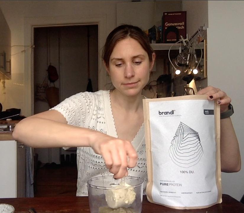 Backen mit Proteinpulver - das Eiweißpulver von BRANDL eignet sich ideal zum Low Carb backen