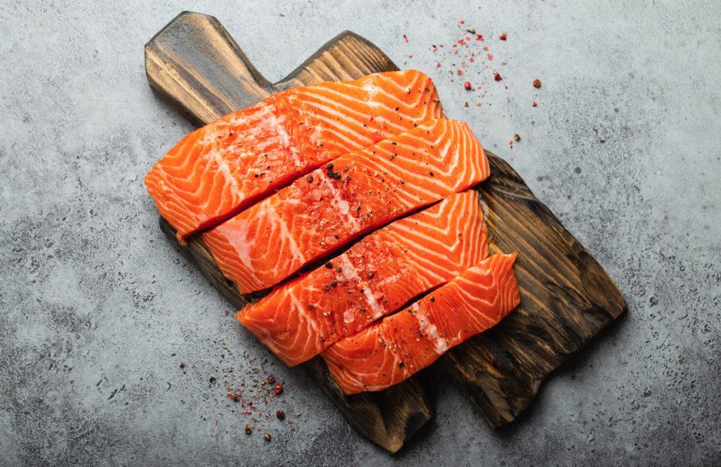 Welche Lebensmittel sind bei der Carnivore Diät erlaubt? Lebensmittelliste