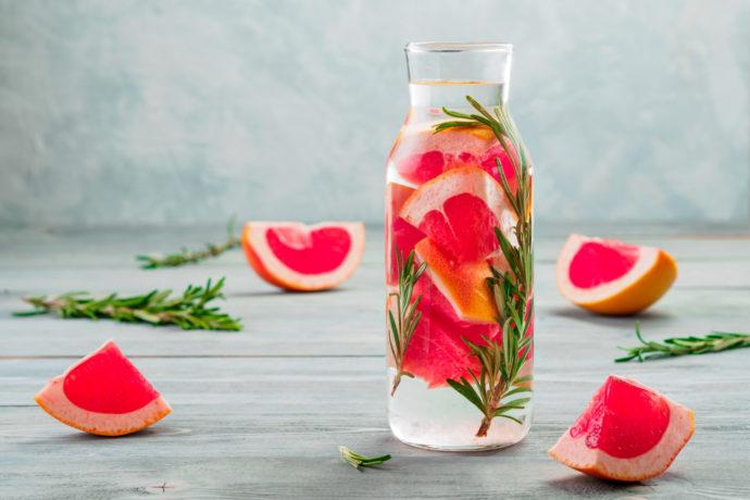 Detox Wasser Rezepte zum Entgiften und Abnehmen